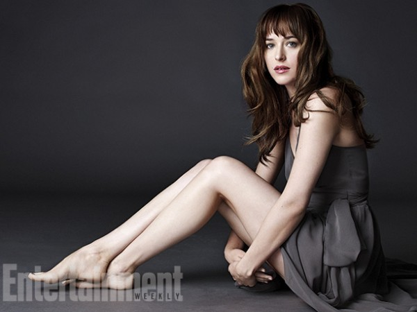 DAKOTA JOHNSON Crédit Photo : http://fr.eonline.com/
