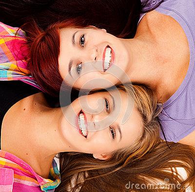 amitié-mensonge-de-deux-meilleurs-amis-40563960